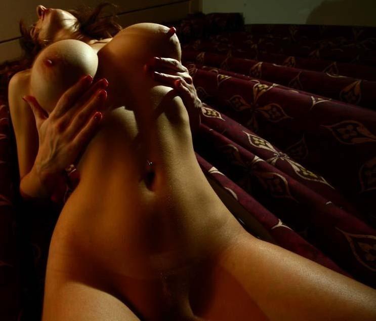 big_boobs_whores_01