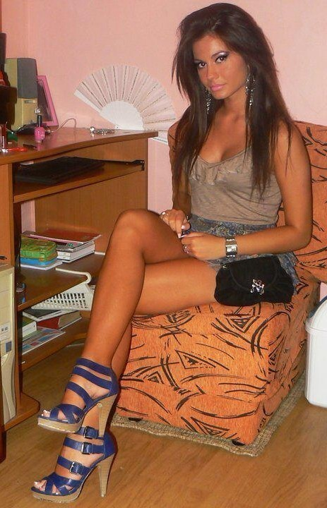 sexy_busty_girl_058