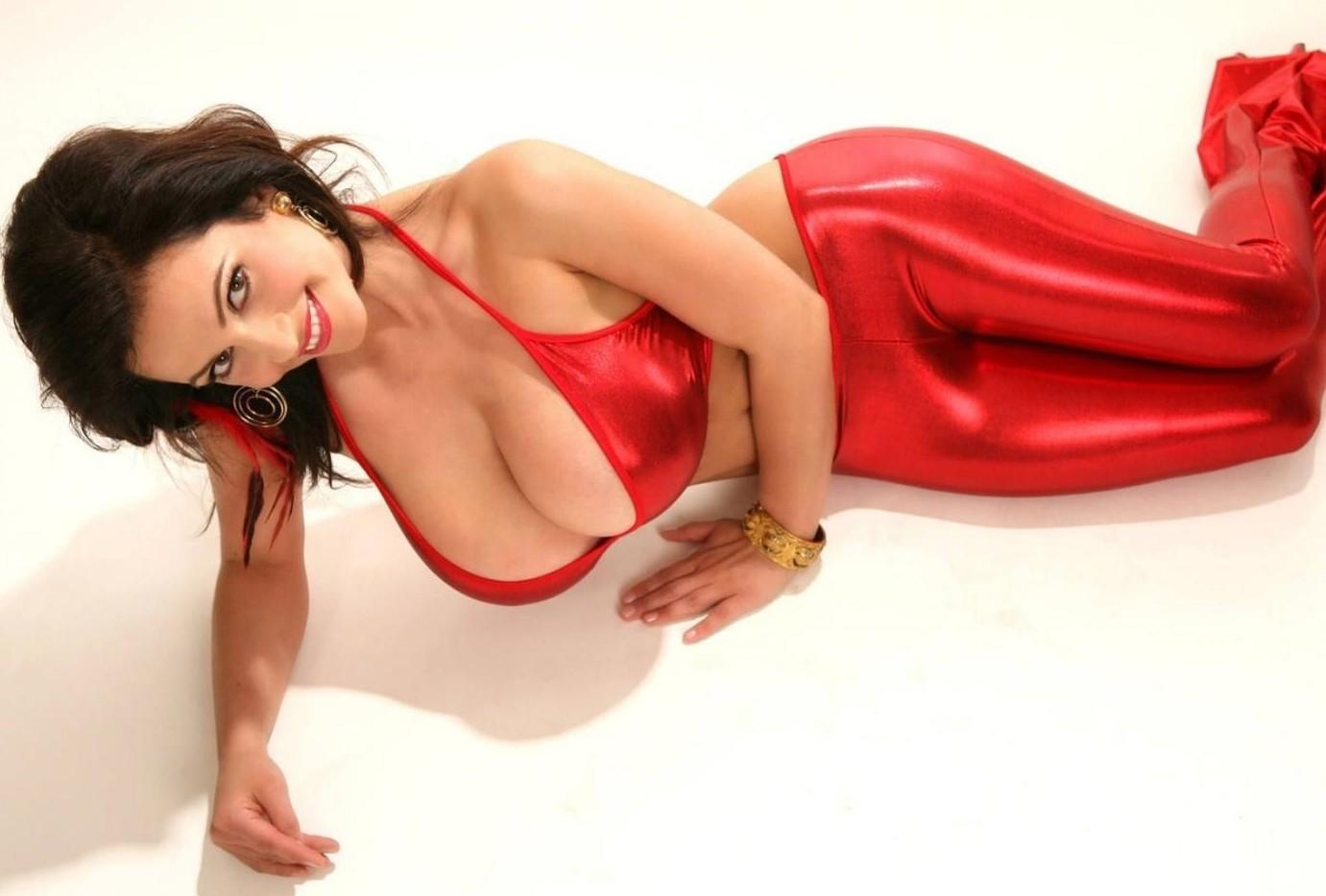 sexy_busty_girl_173