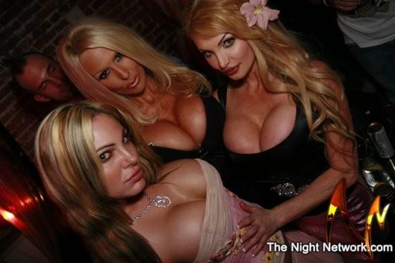 sexy_bimbo_and_whores_092