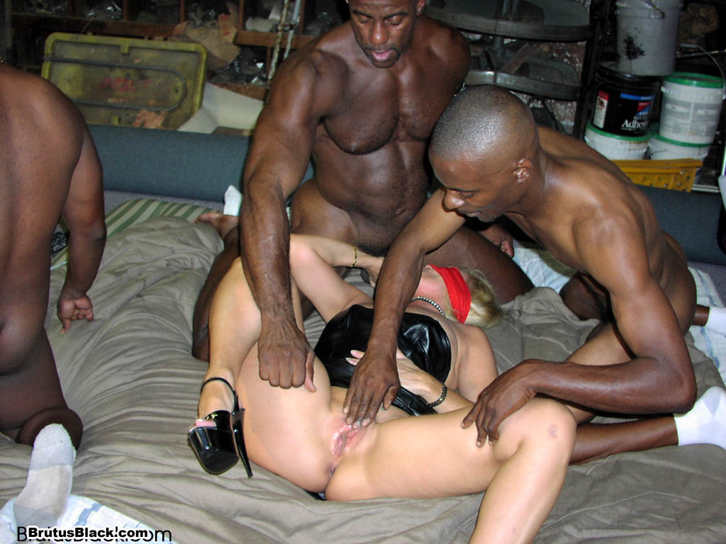 hot sexy white mom fucking black guy