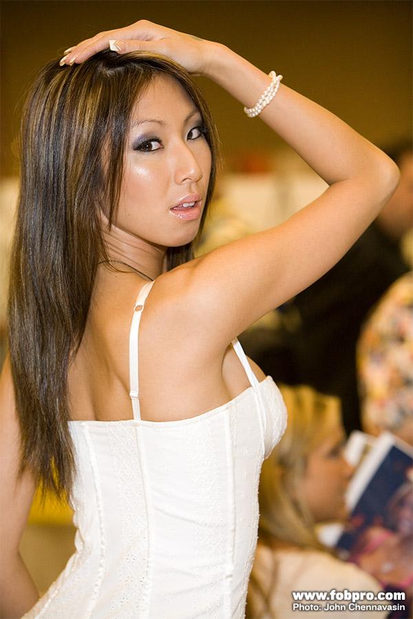 KT_So_hot_asian_girl_153
