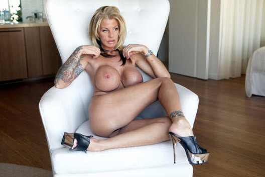 Sexy_Bimbo_Fuck_Toy_055