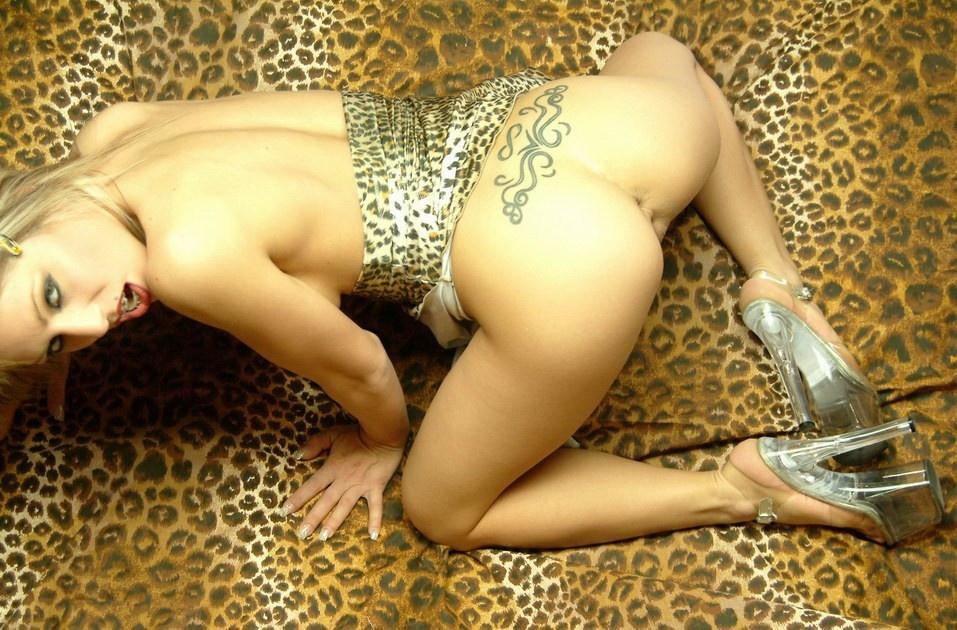 Sexy_Bimbo_Fuck_Toy_072