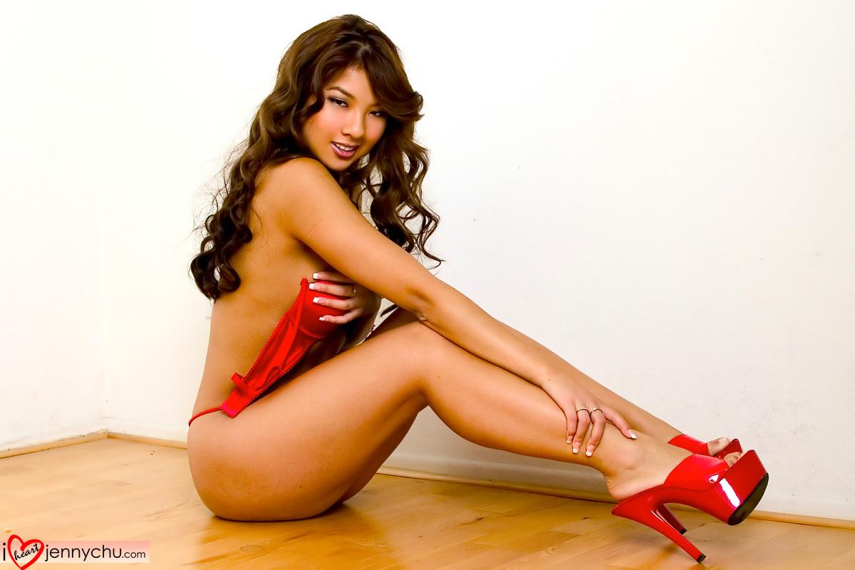 Hot_Jenny_Chu_In_Sexy_Dresses_022