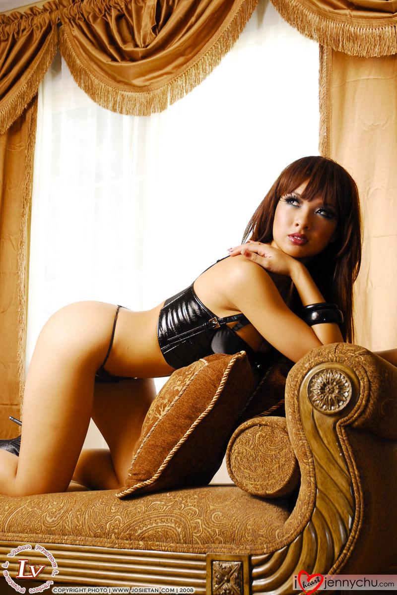 Hot_Jenny_Chu_In_Sexy_Dresses_032
