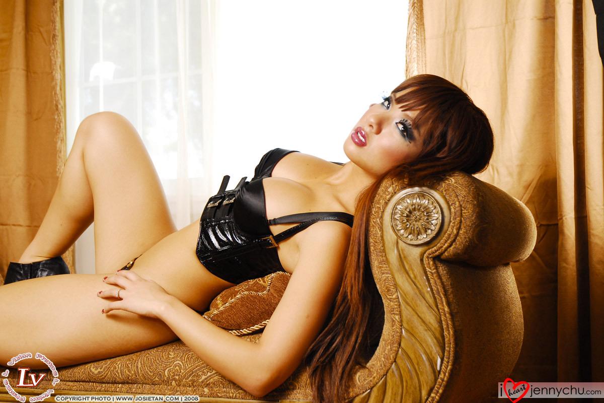Hot_Jenny_Chu_In_Sexy_Dresses_035