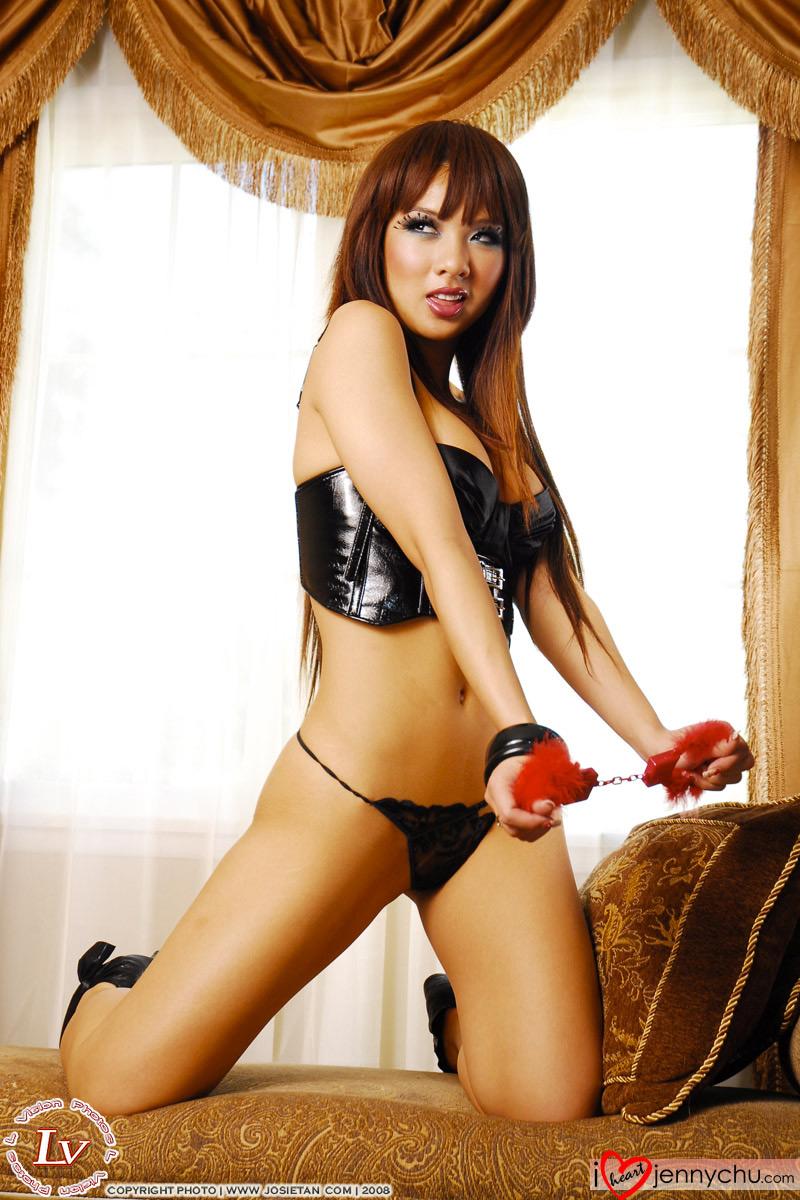 Hot_Jenny_Chu_In_Sexy_Dresses_036