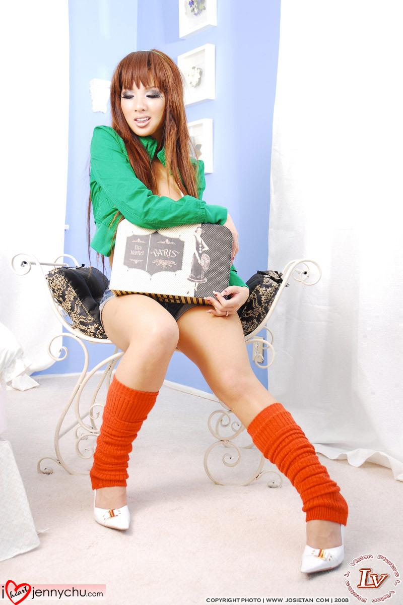 Hot_Jenny_Chu_In_Sexy_Dresses_046