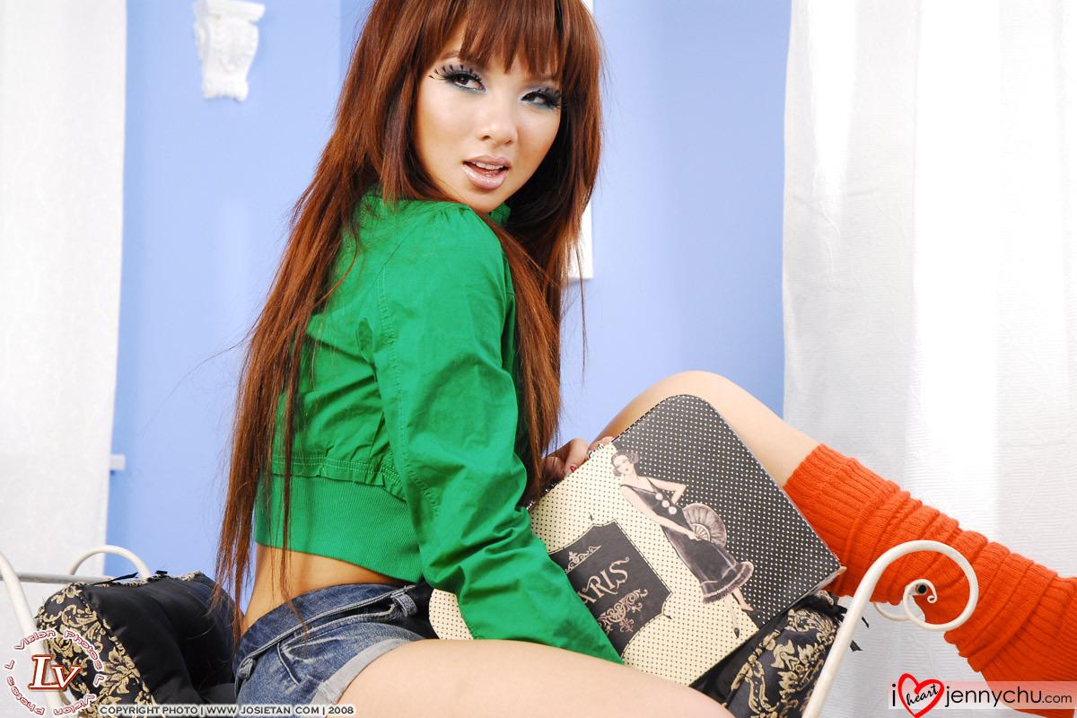 Hot_Jenny_Chu_In_Sexy_Dresses_048