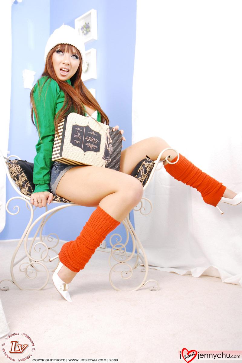 Hot_Jenny_Chu_In_Sexy_Dresses_057