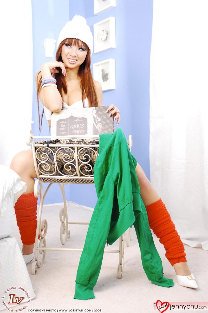 Hot_Jenny_Chu_In_Sexy_Dresses_058