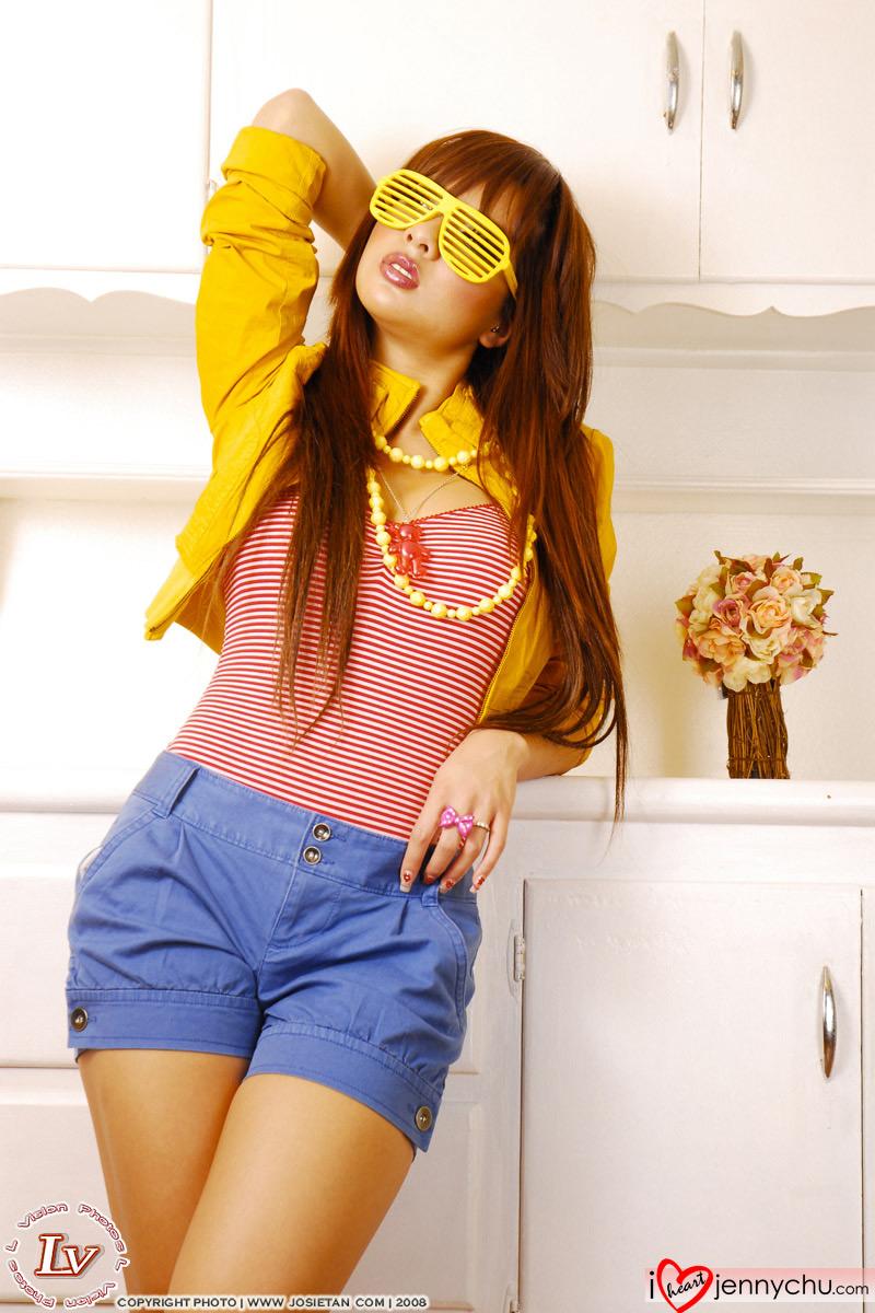 Hot_Jenny_Chu_In_Sexy_Dresses_063