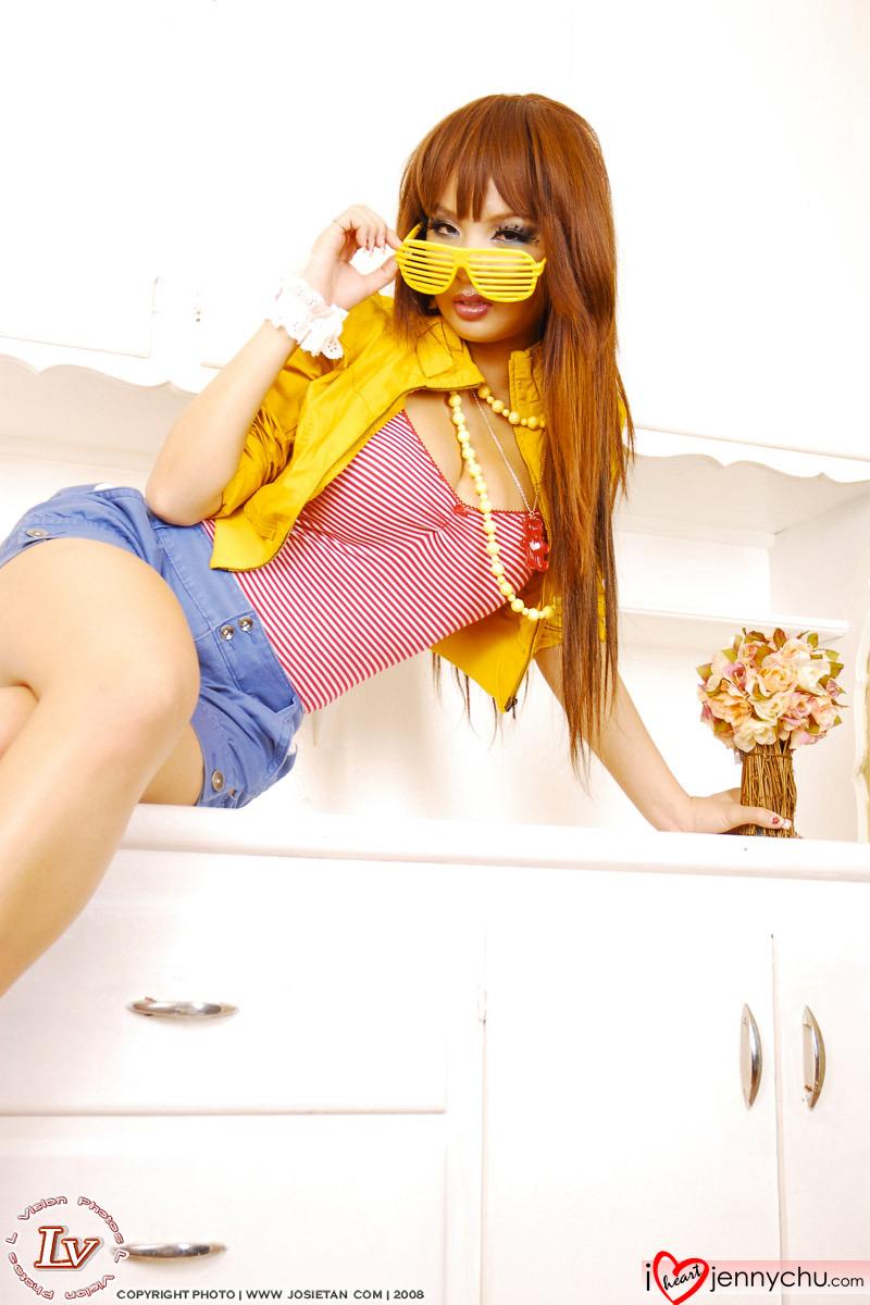 Hot_Jenny_Chu_In_Sexy_Dresses_065