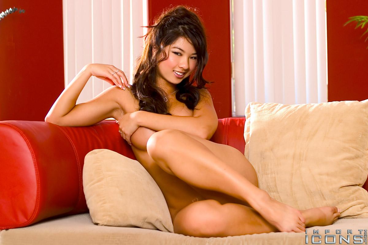 Hot_Jenny_Chu_In_Sexy_Dresses_081
