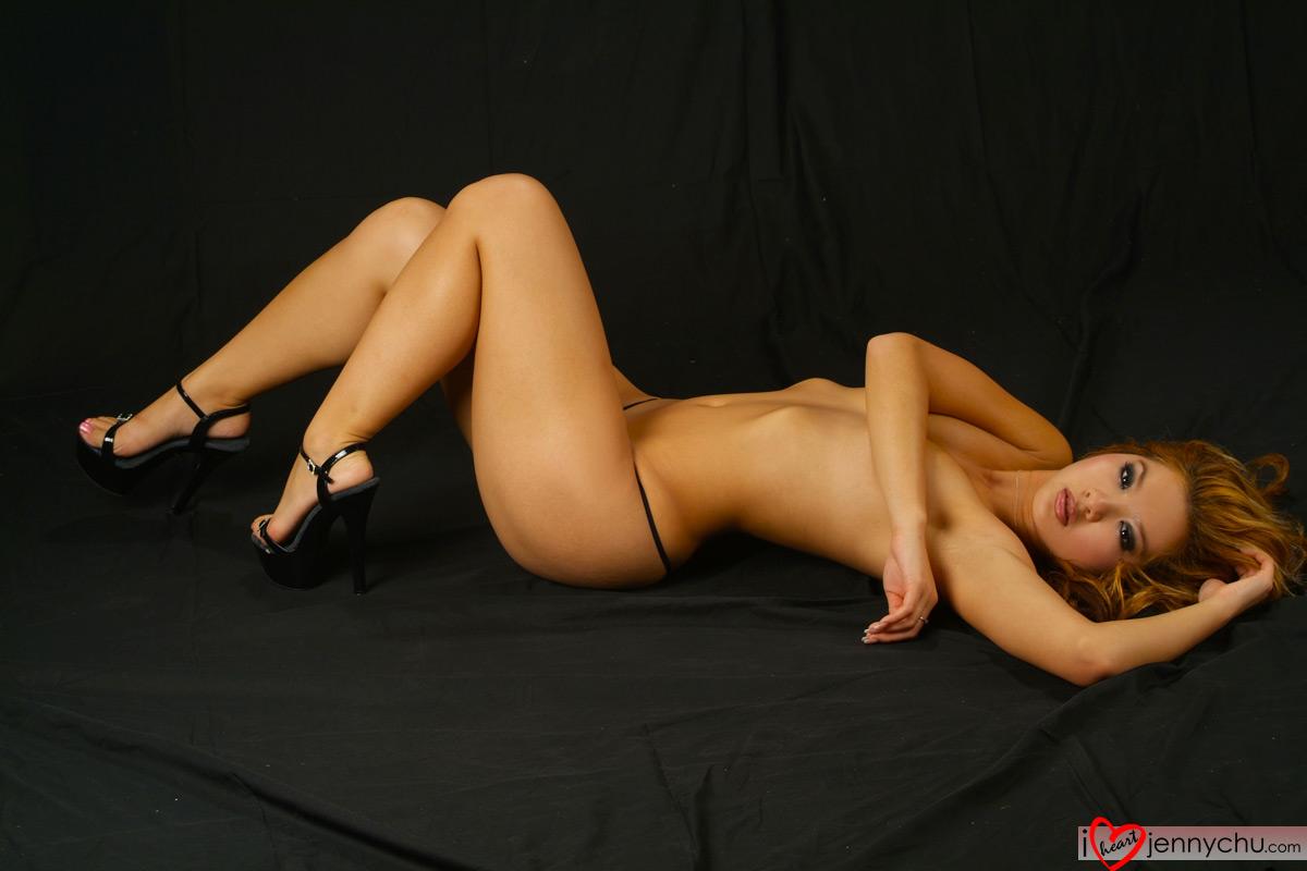Hot_Jenny_Chu_In_Sexy_Dresses_111