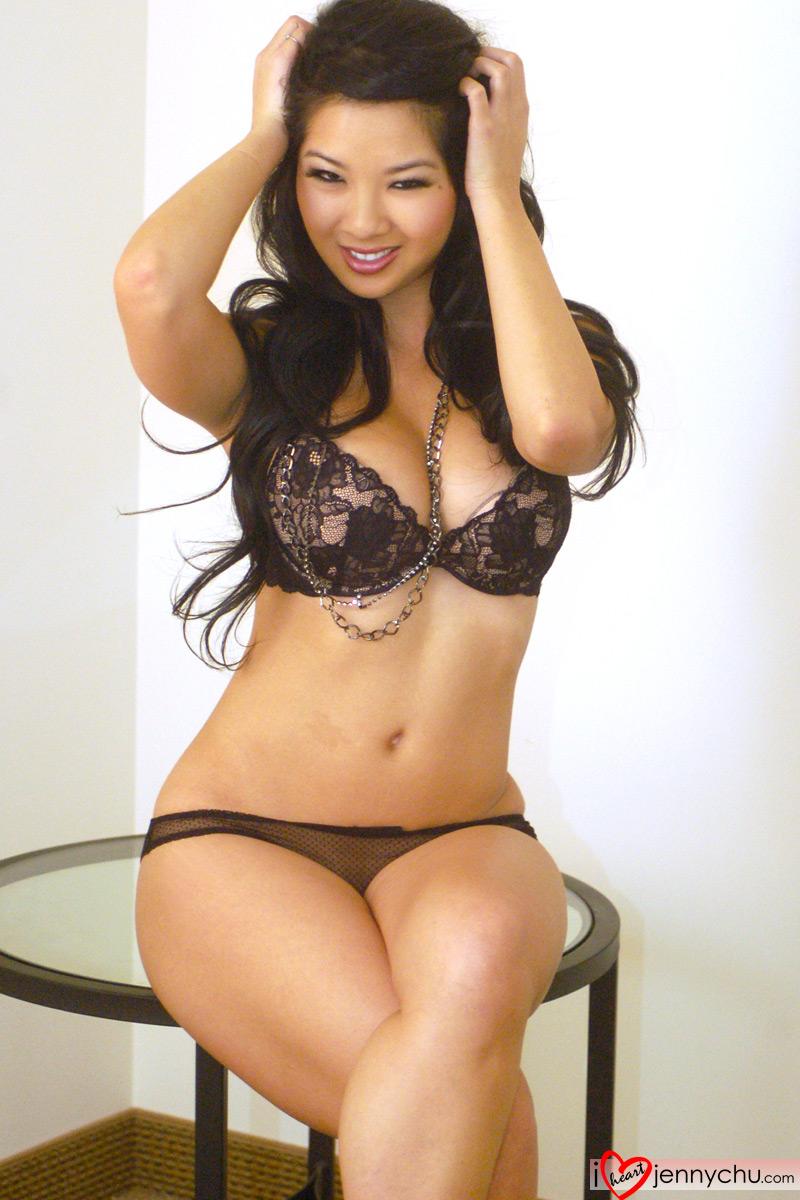 Hot_Jenny_Chu_In_Sexy_Dresses_201