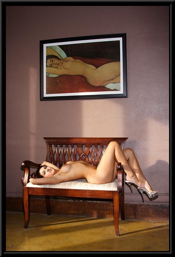 Sexy-big-boobs-bimbo-012