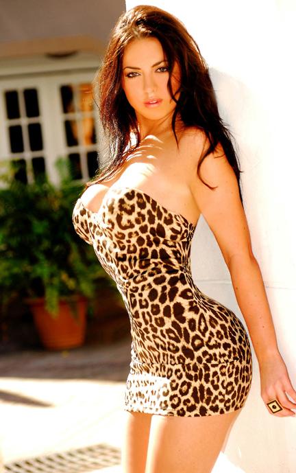 Sexy-big-boobs-bimbo-017