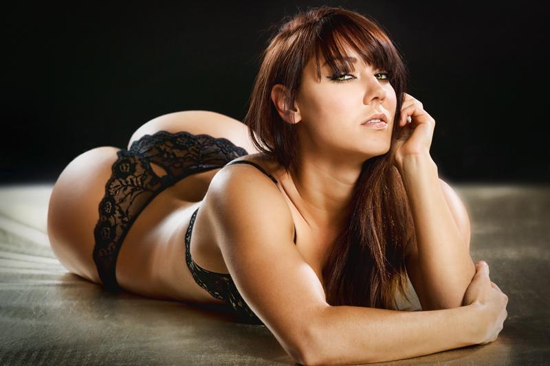Sexy-big-boobs-bimbo-096