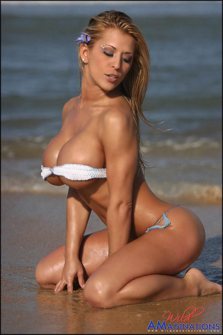 Sexy_fake_boobs_05