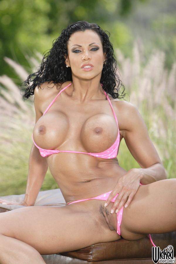 exotica_soto_pink_bikini_17